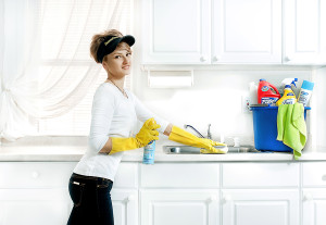 lady-cleaning-worktop